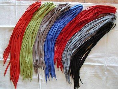 Gekleurde veters voor bij de Celdes Sneakers